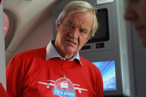 TIL AFRIKA: Norwegian fløy denne uken nødhjelp til Tsjad, i samarbeid med UNICEF, og Bjørn Kjos var selv med.