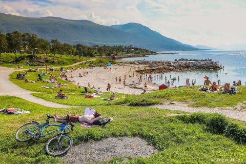 NYE VARMEREKORDER: Ved samtlige målestasjoner i Tromsø ble det satt ny månedsrekord 1. august.