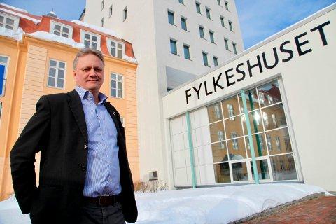 KRITISK: Ivar B. Prestbakmo krever handling fra statsråden.