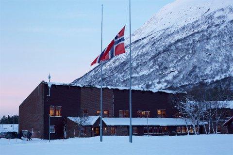 DØDSULYKKE: 16 år gamle Adrian Guttormsen Øverli var elev på Nordkjosbotn videregående skole. Torsdag flagget skolen på halv stang.