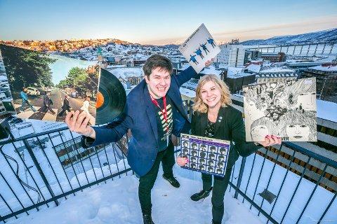 HERE COMES THE BAND: – Det er bare å glede seg til tak-konsert, for dem som klarer å skaffe seg billett, sier markedsleder Kent-Einar Myreng i Nordlysfestivalen og eventansvarlig Trine Eilertsen på The Edge.