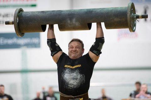"""STERKT: Tommy Horne har vunnet """"Nord-Norges sterkeste mann""""-konkurransen, som han selv arrangerer, hele tre ganger."""