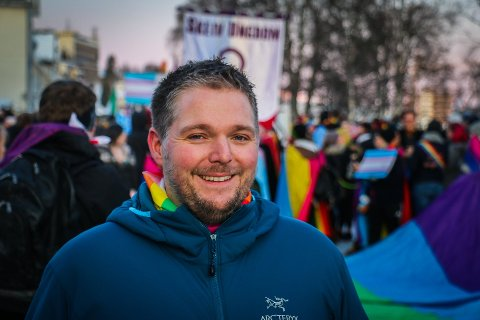 IKKE I MÅL: Leder av festivalstyret i Arctic Pride, Øivind Ballovarre Østbø, var henrykt over rekordoppmøte i paraden. Han tror folk vil vise motstand.