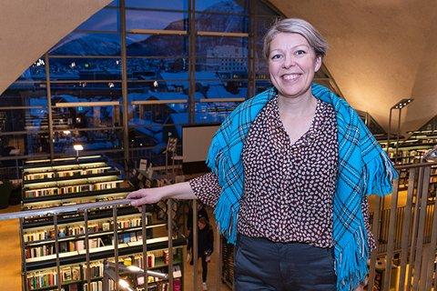 PRØVER IGJEN: Mona Magnussen fikk bare 12 dager som biblioteksjef i Tromsø før de måtte stenge. Nå kommer en delvis åpning fra førstkommende mandag.