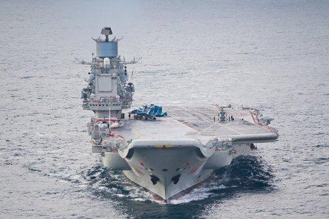 GIGANT: 300 meter langt, plass til 21 fly og utstyrt med 12 krysserraketter. «Admiral Kuznetsov», her avbildet i 2011, er flaggskipet i den russiske marinen.