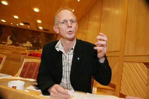 BYTTER KOMMUNE: Tidligere Karlsøy-rådmann Jan-Hugo Sørensen (61) blir ny kommunedirektør i Nordreisa.