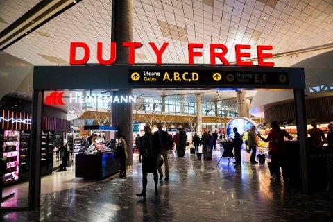 Taxfree-salget er med på å subsidiere underskuddet Avinor har på de mindre lufthavnene i Norge.  Foto: Berit Roald / NTB scanpix