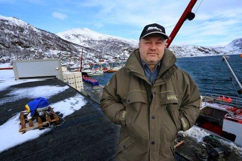 TRØBBEL PÅ YTTERSIDA: Alexander Grokhotov har en bakgrunn både fra militæret og forretningsverden - samt poltikk. Han eide fiskebruket i Løksfjord på Rebbenesøya. Nå er han tilbake.