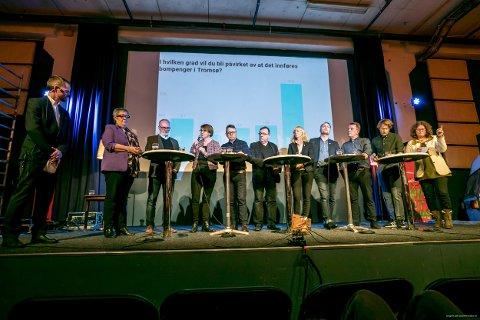 Anni Skogman (Frp), Hans Petter Kvaal (Høyre), Helga Marie Bjerke (KrF), Morten Skandfer (Venstre), Jan Blomseth (Nei til bompenger), Rita Roaldsen (Sp), Pål Julius Skogholt (SV), Gunnar Wilhelmsen (Ap), Bendik Hugstmyr Woie (Rødt), Barbara Vögele (MDG) var på debatt i kveld. Til venstre debattleder Helge Nitteberg.