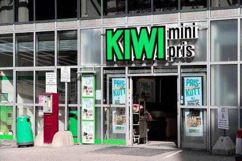 STØRST: Kiwi er Norgesgruppens suverent største kjede, og står også for mesteparten av veksten til konsernet. Kiwi-kjeden hadde faktisk aller størst vekst i markedet i 2018 basert på eksisterende butikker (4,1 prosent). Arkivfoto: NTB