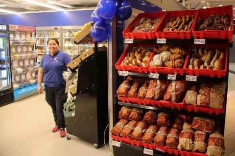 NYÅPNET: Kjøpmann Kete Bjørnå ønsker velkommen til ny søndagsåpen Rema 1000-butikk på Veitasenteret i slutten av mars. I likhet med andre søndagsåpne butikker, holder de åpent i påsken.