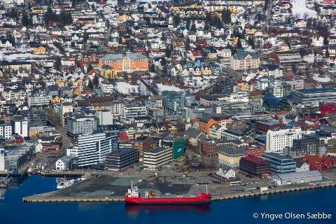 ADVARER: Professor og boligekspert Erling Røed Larsen advarer mot et kraftig boligprisfall hvis boliglånsrenten stiger med ett prosentpoeng.