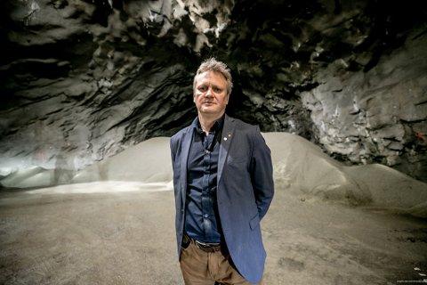 I TUNNEL: Mange tunneler i Troms oppfyller ikke sikkerhetskravene, og fylkesråd Ivar B. Prestbakmo vil prioritere en kraftig opprusting av tunnelsystemet på Tromsøya, Ibestadtunnelen i Sør-Troms og Maursundtunnelen til Skjervøy.