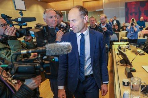 I RETTEN: Kai Vaag (bildet) er forsvarer for Svein Ludvigsen sammen med kollega Per Johan Zimmer. Her ankommer Vaag rettssaken tirsdag morgen.