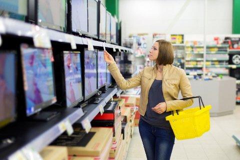 LEIE-TV: Men leiekostnadene for TV-er og andre forbruksvarer har som regel en enda høyere rente enn forbrukslån. Foto: Getty Images