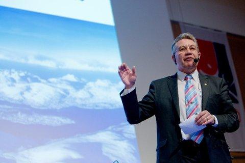 TILTALT: Tirsdag starter rettssaken mot Svein Ludvigsen i Nord-Troms tingrett. Torsdag denne uka vil den tidligere stortingspolitikeren, fiskeriministeren og fylkesmannen selv forklare seg i retten.