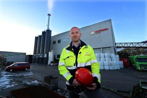 ØNSKER ERSTATNING: Frank Mathillas i Kvitebjørn Varme sier at de fikk et stort økonomisk tap da kommunen måtte stenge vanntilførselen til bedriften.