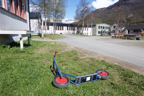 Utdanningsdirektoratet har innkalt foreldrene ved Manndalen skole til møte for å drøfte læremiljøet ved skolen. Foto: Ola Solvang
