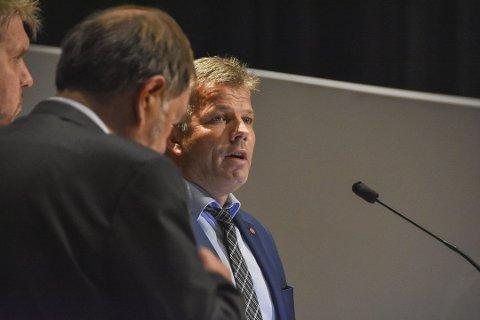 IKKE FORNØYD: Bjørnar Skjæran, nestleder i Arbeiderpartiet utelukker ikke mistillitsforslag mot statsråd Bent Høie.