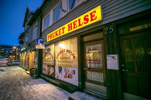 NABO: En nabokvinne kunne fortelle om trafikk til massasjestudioet i Skippergata hele døgnet. Onsdag vitnet hun i halliksaken i Nord-Troms tingrett.
