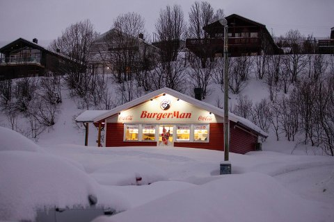 RANSFORSØK: En mann i 30-årene er varetektsfengslet, siktet for ransforsøk på Burger Man på Kvaløysletta. Foto: Øystein Solvang