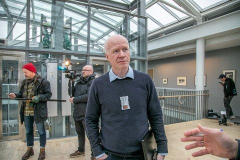 SMITTE: En skoleelev i Tromsø er smittet av covid-19. Her er Trond Brattland, smittevernoverlege i kommunen.