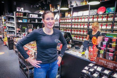 KAFFE OG TE: Mette Mack driver to Taras-butikker i Tromsø. Nå gjør hun klar for sin tredje.