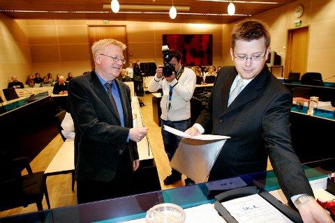 DØMT I TINGRETTEN: Aktor Stig-Ole haug (t.h.) og forsvarer Ulf Hansen under 2006-rettssaken mot den da drapssiktede mannen.