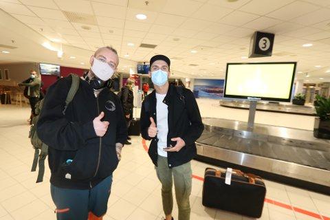 SHAKEN, NOT STIRRED: Hans Erik Sørensen og Erlend Kristiansen fikk være med jomfruturen fra Oslo til Tromsø.