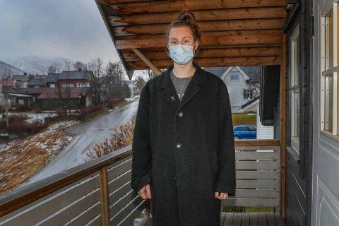 HJEMMEUNDERVISNING: Elevrådsleder ved Breivang videregående skole, Ole Dolmseth, er i karantene og får undervisning hjemme. Han mener det burde vært likt for alle elevene.
