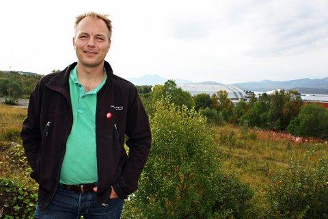 DESENTRALISERT: Pål Julius Skogholt håper flere kommunalt ansatte kan få mulighet til å jobbe utenfor Tromsø sentrum.