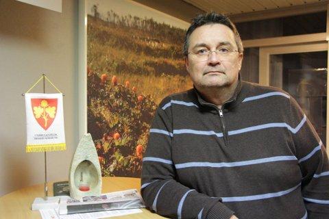 ALVORLIG: Ordfører Knut Inge Store ser alvorlig på at en er korona-smittet i kommunen.