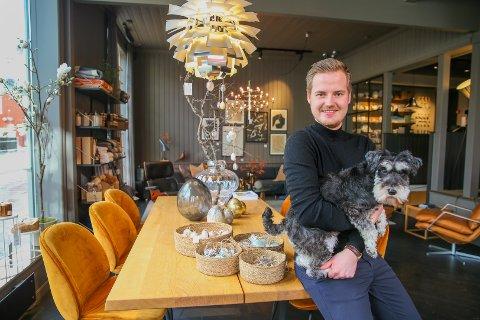 NISJEBUITIKK: Innehaver Haakon Bredrup jr. håper både Hos Haakon og andre lokale butikker kommer styrket ut av krisen vi står midt oppe i.