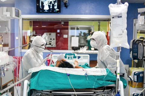 KORONAHÅP FRA NORSK SELSKAP Britiske myndigheter har på rekordtid fått i gang klinisk testing av seks medisiner mot koronavirus. Først ut er medisinen Bemcentinib fra Bergenbio i Norge.