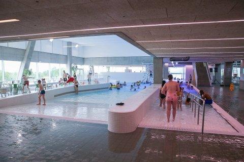 KASSETRØBBEL: Tromsøbadet har trøbbel med kassasystemet søndag.
