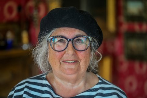 Sissel Marienborg eier Lensmannsgården på Karlsøya i Troms. Sist søndag takket hun nei til besøk av dronning Sonja.
