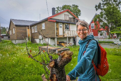 Styreleder for Stiftelsen Speiderhuset i Tromsø, Birgit Njåstad har tatt oss med på en runde i det gamle speiderhuset i Tromsø. Nå blir det en etterlengtet ansiktsløfning i Petersborggata 31.