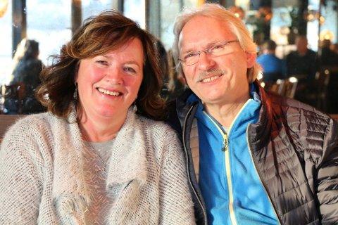 I SPANIA: Sidsel Helene Meyer og Arve Hoel har feriert i huset i Spania, og skal hjem på søndag. De vet fortsatt ikke om de må rett i karantene.