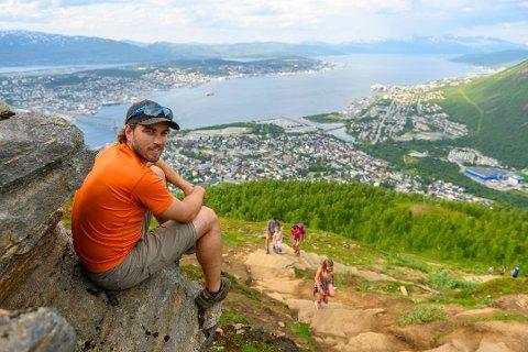 SOMMERJOBB: Henrik Forsberg var i fjor sti-vert i Sherpatrappa.