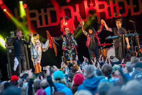Fjorårets Riddu Riđđu festival knuste alle rekorder med over 9000 publikummere. Konserten med Buffy Sainte-Marie (Canada), Maxida Märak (Sverige) og Tanya Tagaq ( Canada) var et bestillingsverk fra festivalen. Foto: Ørjan Marakatt Bertelsen