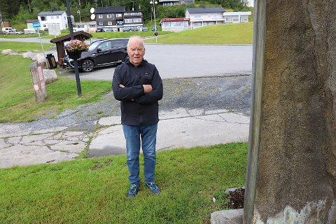 BOT: Åsmund Arntzen parkerte her i november i fjor, parkeringsboten gir han seg ikke på.