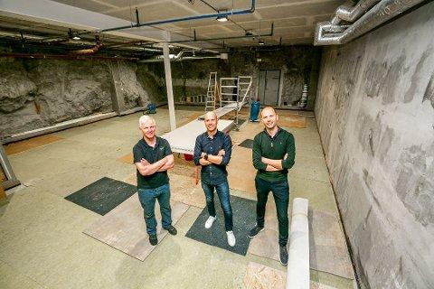 BYGGER UT: Bybowlinga i Tromsø sentrum bygger ut. Fra Høyre: Andreas Willumsen, Håkon Løbach Willumsen og Øivind Danielsen. Foto: Torgrim Rath Olsen