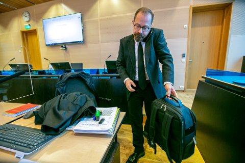 RETTSSAK UTSATT: Aktor, statsadvokat Tor Børge Nordmo, fikk en kort dag i retten mandag.