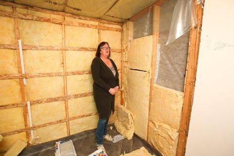 BAD-MARERITT: Den etterlengtede renoveringen av badet endte i mareritt for Lill-Ann Jørgensen. Et halvt år etter oppstart ser det slik ut.