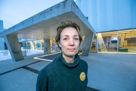 MÅ STENGE: Tromsøbadet stenger dørene fra fredag. Her Siv-Hege H. Schrøen, leder av Tromsøbadet.