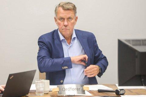 OVERRASKET: Gunnar Wilhelmsen tror nesten ikke på nyheten om skjenkestopp klokken 22.00.
