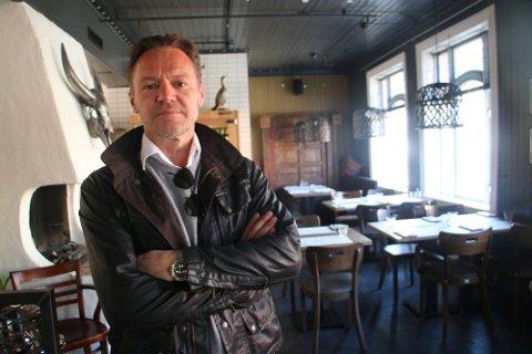 STENGER NED: Etter at en ansatt testet positivt, må Morten Lønstad stenge dørene til restauranten sin.