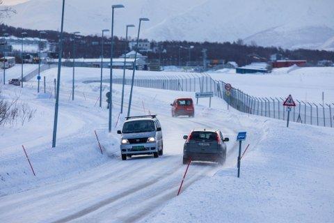 KLART FOR BOMPENGER: 15 bomstasjoner skal plasseres ut i Tromsø. Nå kan du sjekke hva du må ut med i måneden.