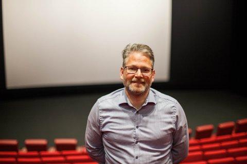 KINOEN: Administrerende direktør på Aurora kino, Geir Martin Jensen, håper folk bruker kinoen i påsken.