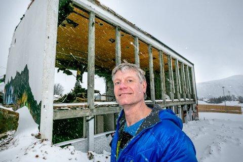 STERKE MINNER: Knut Are Mortensen ble et kjent fjes i Tromsø gjennom Påtryneteatret. Scenedebuten kom her, i gymsalen på Sommerlyst under Polarshow.